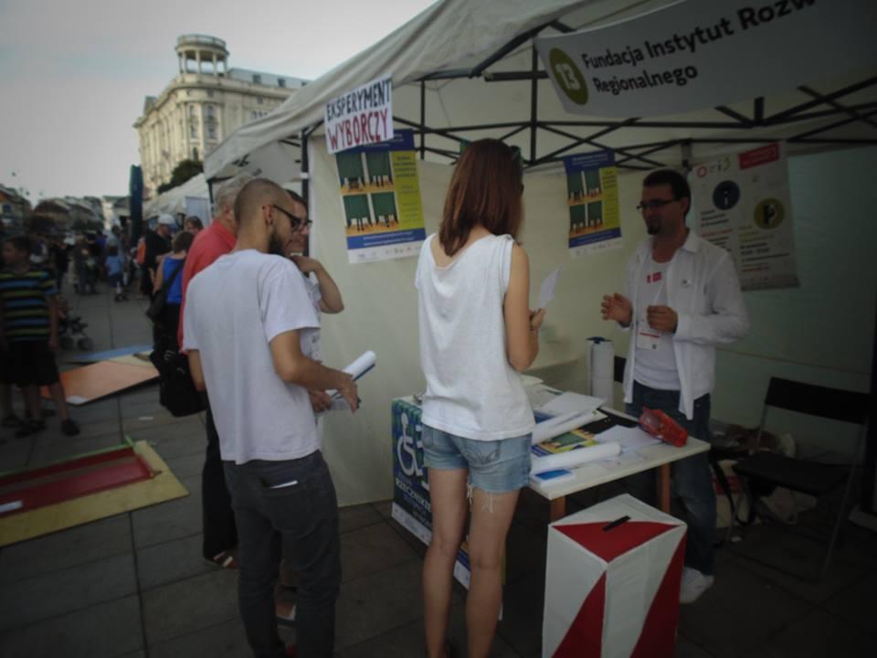 piknik_obywatelski_stoisko_wyborcze