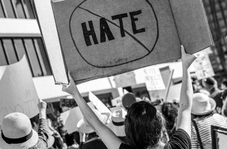 """Webinarium: """"Mowa nienawiści w przestrzeni publicznej"""""""